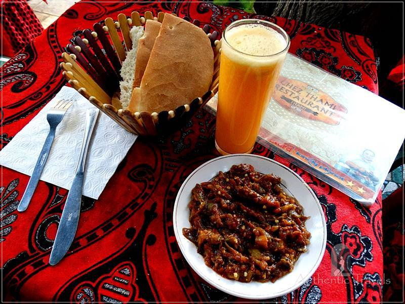 Fes old medina: dinner near Bab Boujloud
