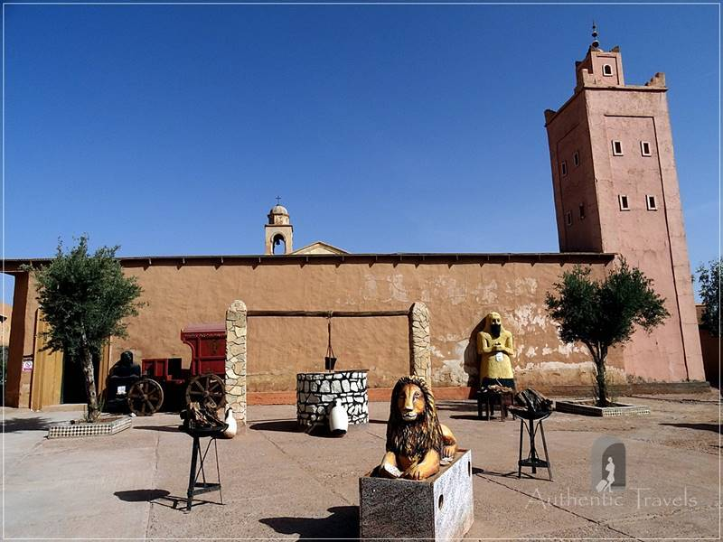 Ouarzazate: the Old Cinema Museum with strange animals