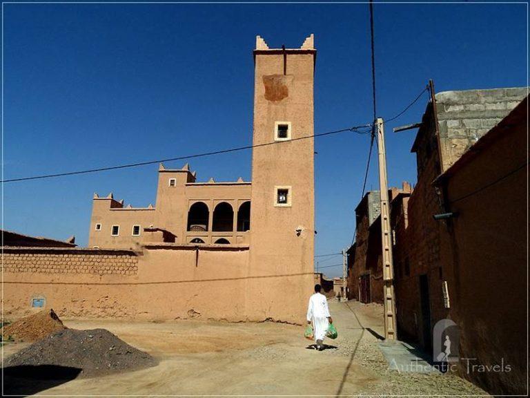 N'Kob: Berber oasis with 45 mudbrick kasbahs