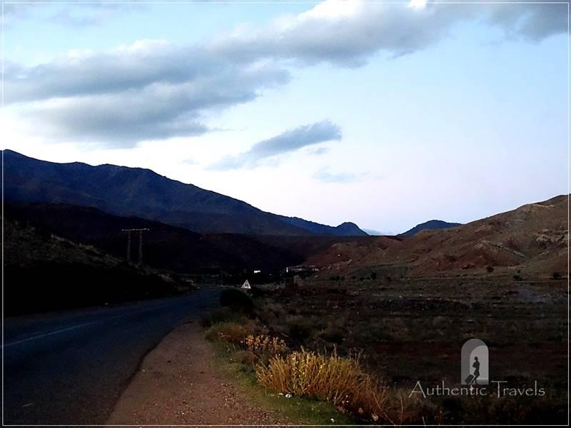 The road from Ait Benhaddou to Tizi n'Tikka Pass