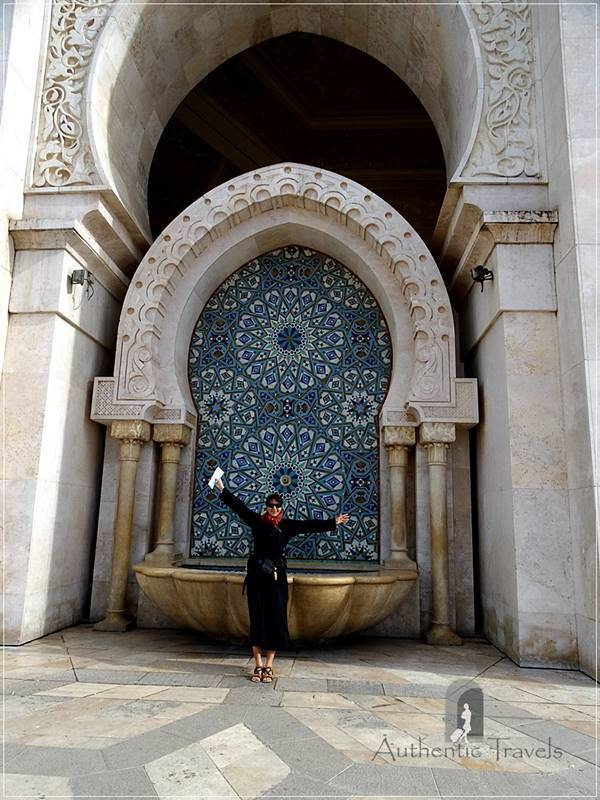 Casablanca: Hassan II Mosque - I wear a djellaba that Coco had given to me