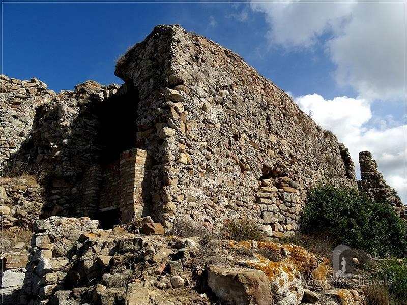 Ancient Lixus: the Phoenician walls
