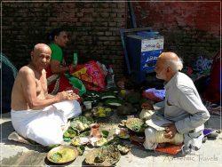Kathmandu - Pashupatinath - Hindus doing their religious ritual