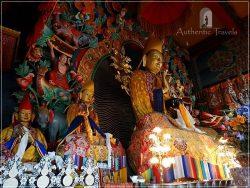 Kopan Monastery: Buddha's statue in the main gompa