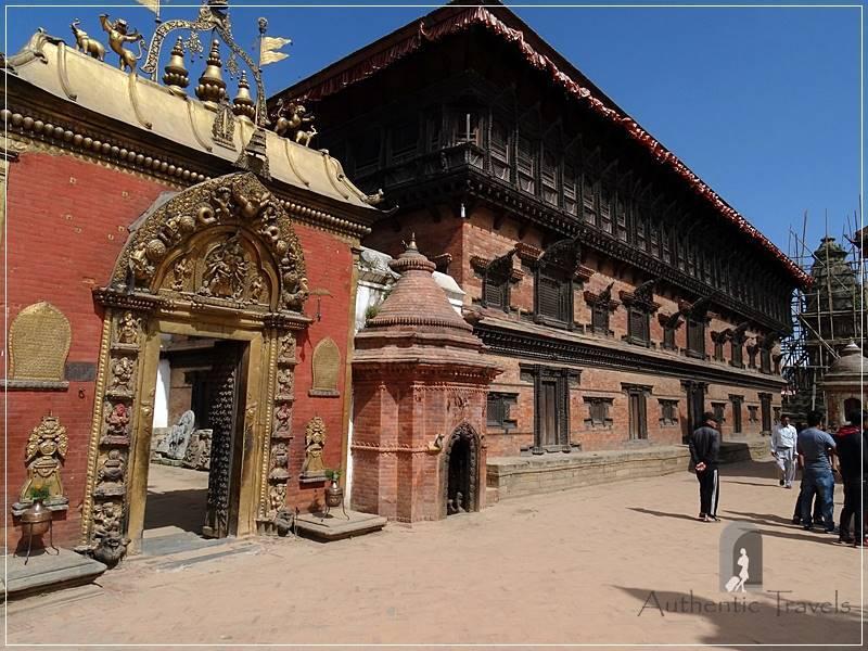 Kathmandu Valley : Bhaktapur - 55 Window Palace with the Golden Gate