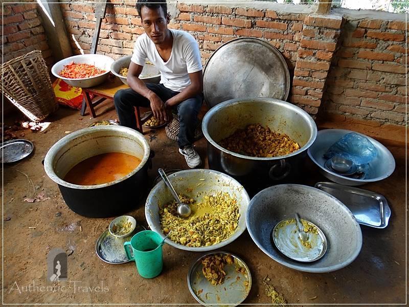 Kathmandu Valley: Kuttal village - preparing dhal bhat in huge quantities