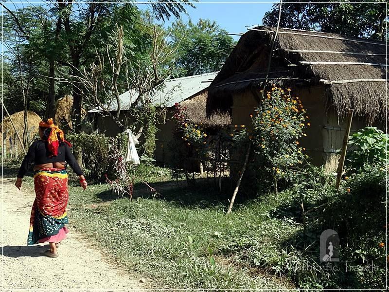 Chitwan - Sauraha: Cycling through Tharu Villages around Sauraha