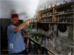 Skopje (old, Turkish Bazaar - Carsija) - Suli Hani: Mehdi in his shop with antiquities