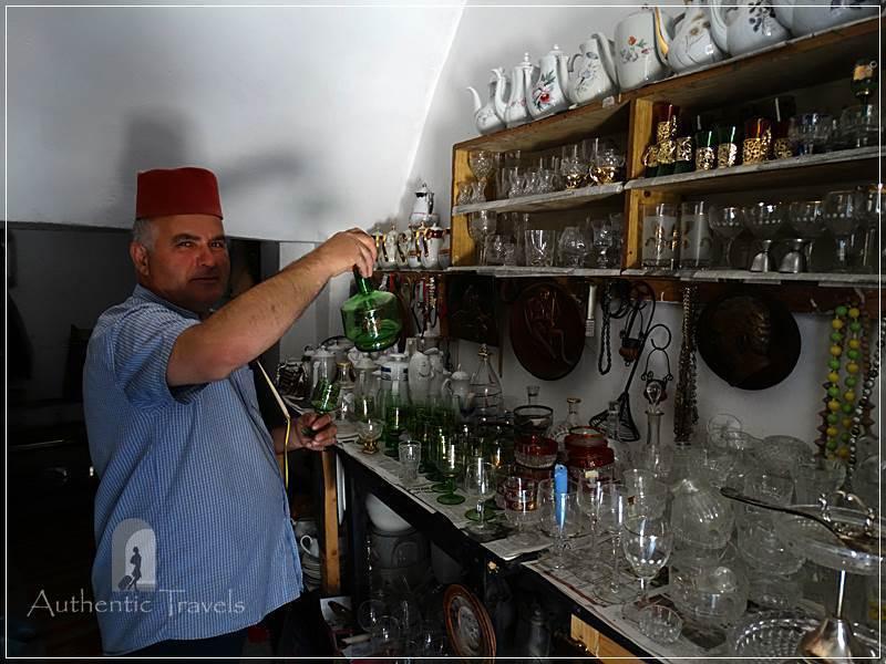 Skopje (old, Turkish Bazaar - Carsija) - Suli Hani: Mehdi in his shop with antiquities