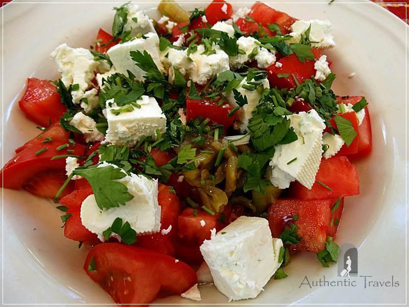 Skopje (old, Turkish Bazaar - Carsija) - Kapan Inn (lunch at Pivnica Ann): the famous Balkan salad, shopska salad