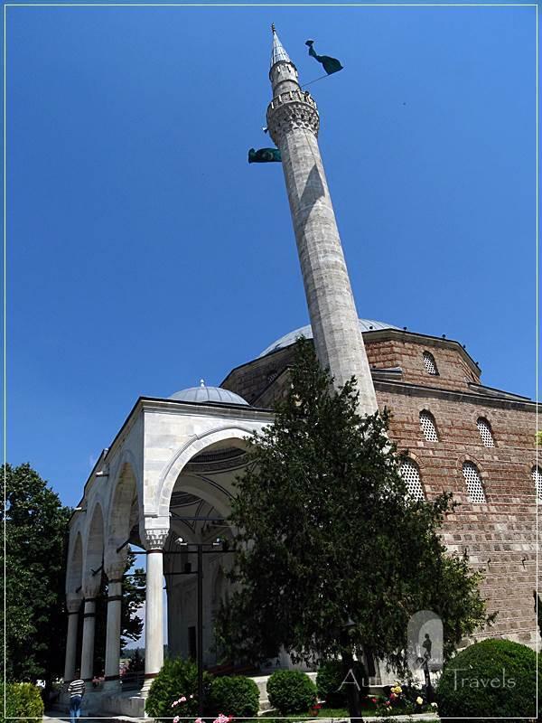 Skopje (old, Turkish Bazaar - Carsija) - the big mosque of Mustafa Pasha