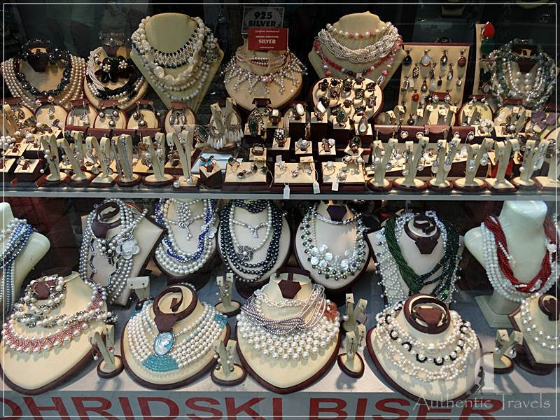 Ohrid - jewelry with pearls from the lake