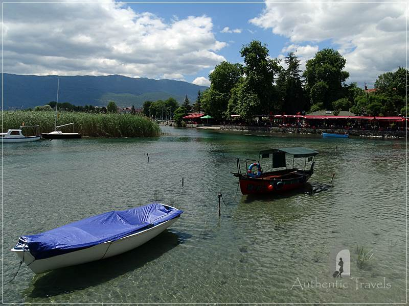 Ohrid lake: Struga - the Black Drin River crossing the center of the city