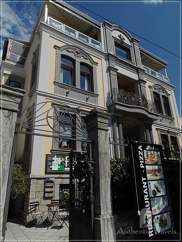 Korce - cozy villas along Republika Boulevard