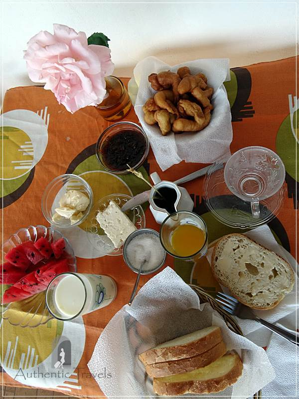 Gjirokastra - lovely breakfast at Mele Guesthouse