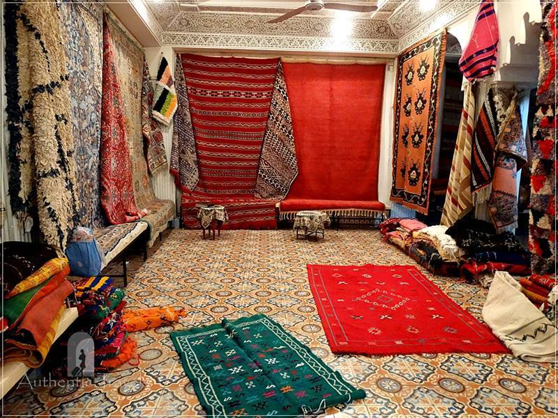 Tetouan: Andalucian house - the carpet room
