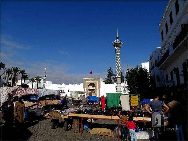 Tetouan: Place Hassan II - looking toward the Royal Palace