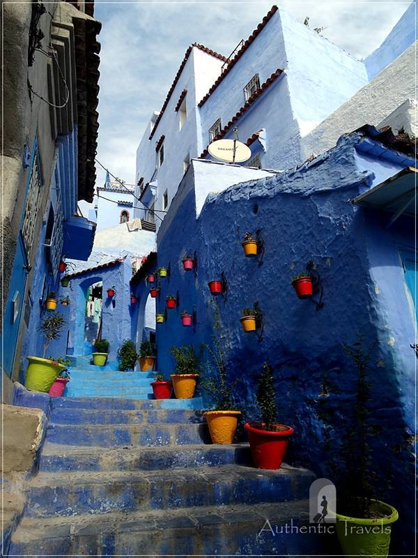 Chefchaouen: a typical colorful street