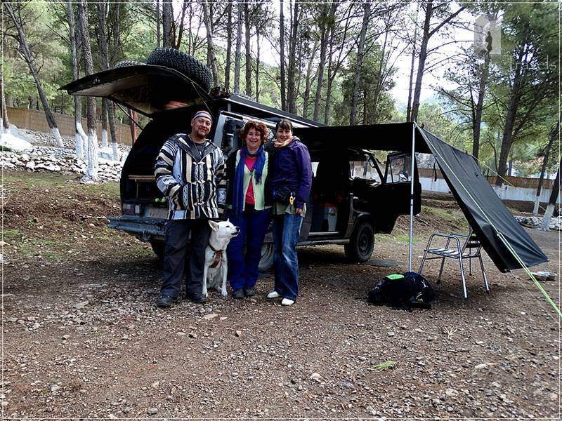 Chefchaouen: with Robert and Frederiqua (and Skai, their dog) of the Dragos Riders in Camping Azilane