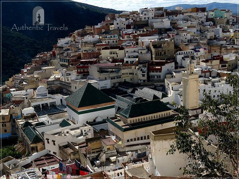 Moulay Idriss: view of the Mausoleum from Petite Terasse